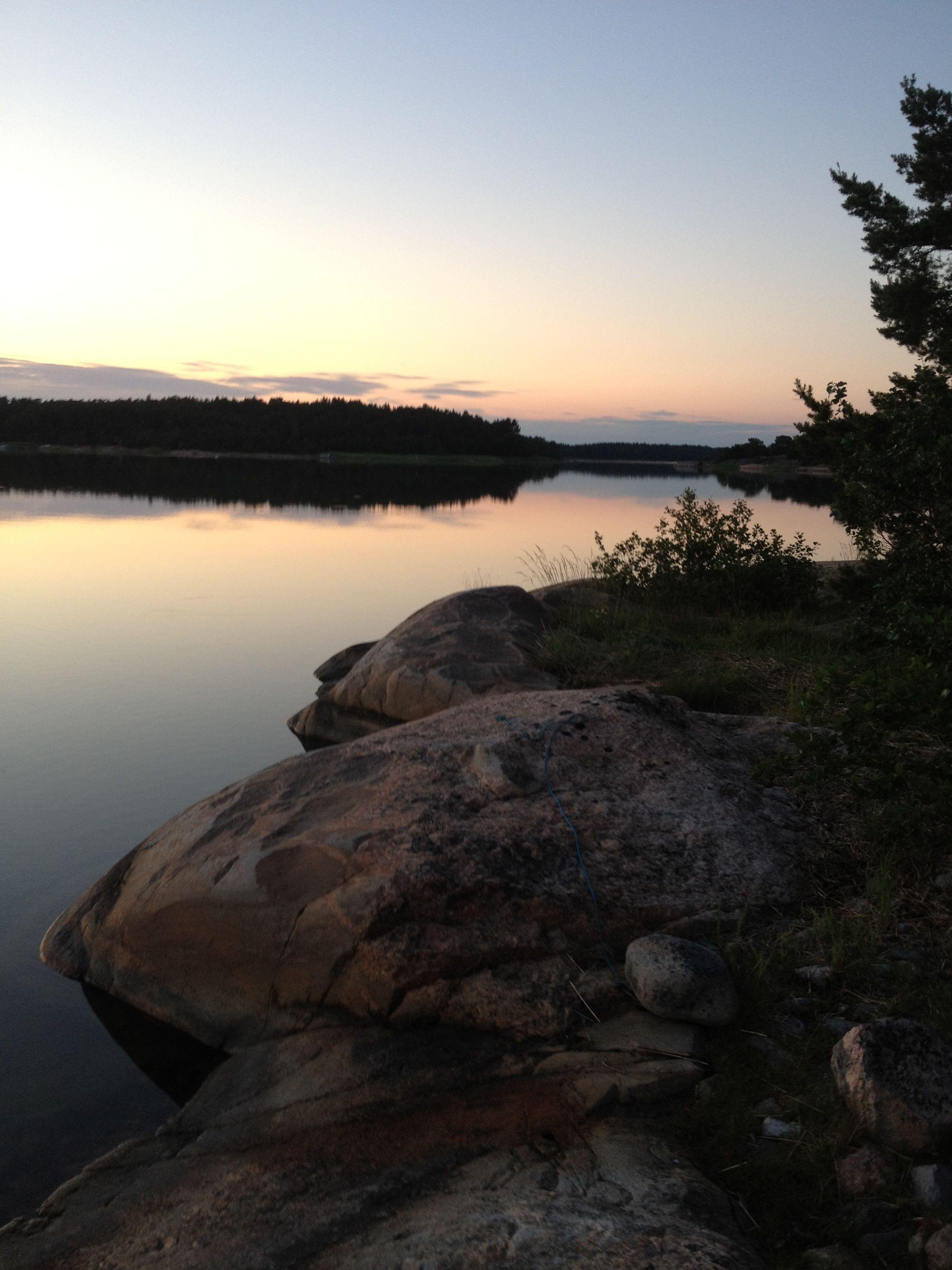 Iniö, Turun saaristo, Saaristo on suosittua lomanviettoaluetta.