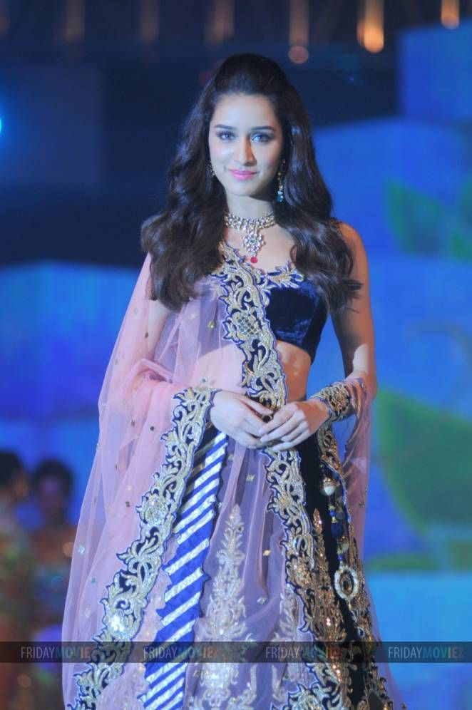 Shraddha Kapoor at a fashion show organised by Bombay Bullion Association