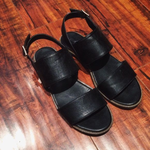 F21 Black Sandals Worn a few times • Stylish flats • Goes great with dresses Forever 21 Shoes Sandals