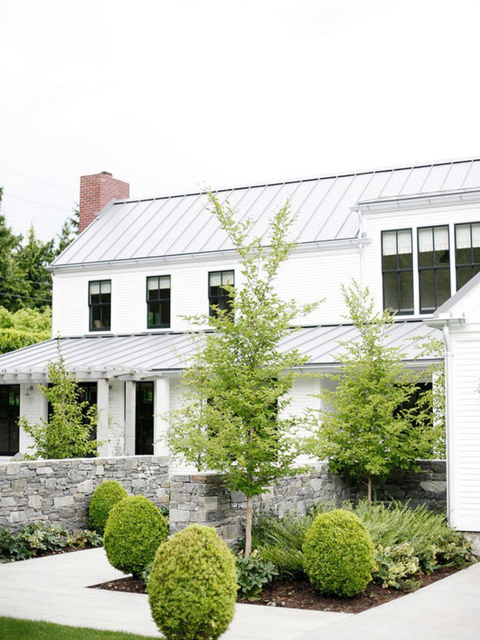 Incredible Modern Farmhouse Exterior Design 24