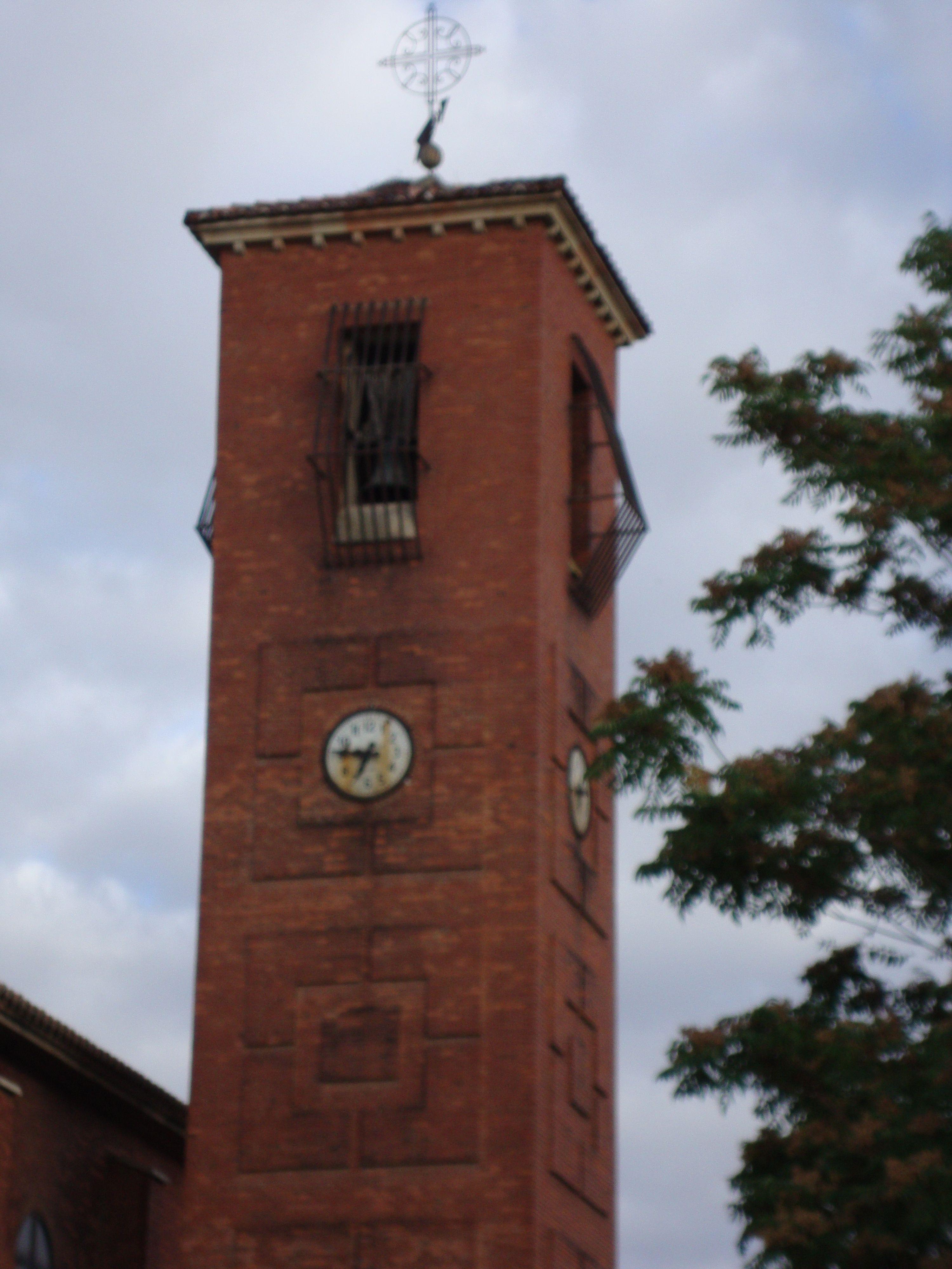 Venta De Banos Palencia Spain Palencia Espana Clock Wall Y