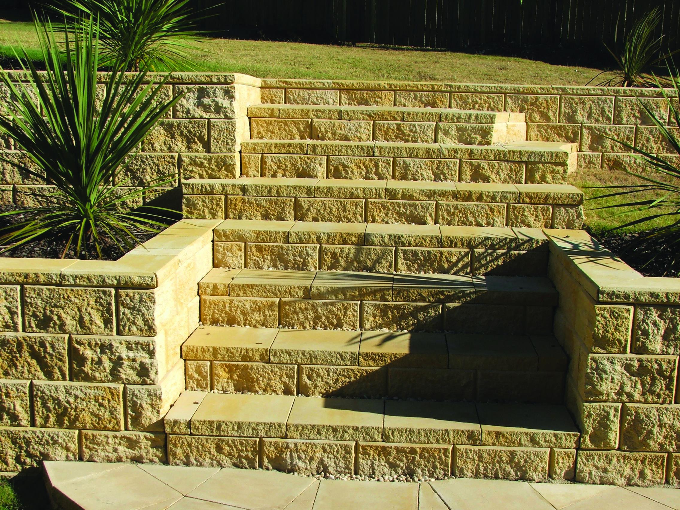 Heron Retaining Wall Colour Sydney Blend Courtyard Gardens Design Landscaping Retaining Walls Retaining Wall Design