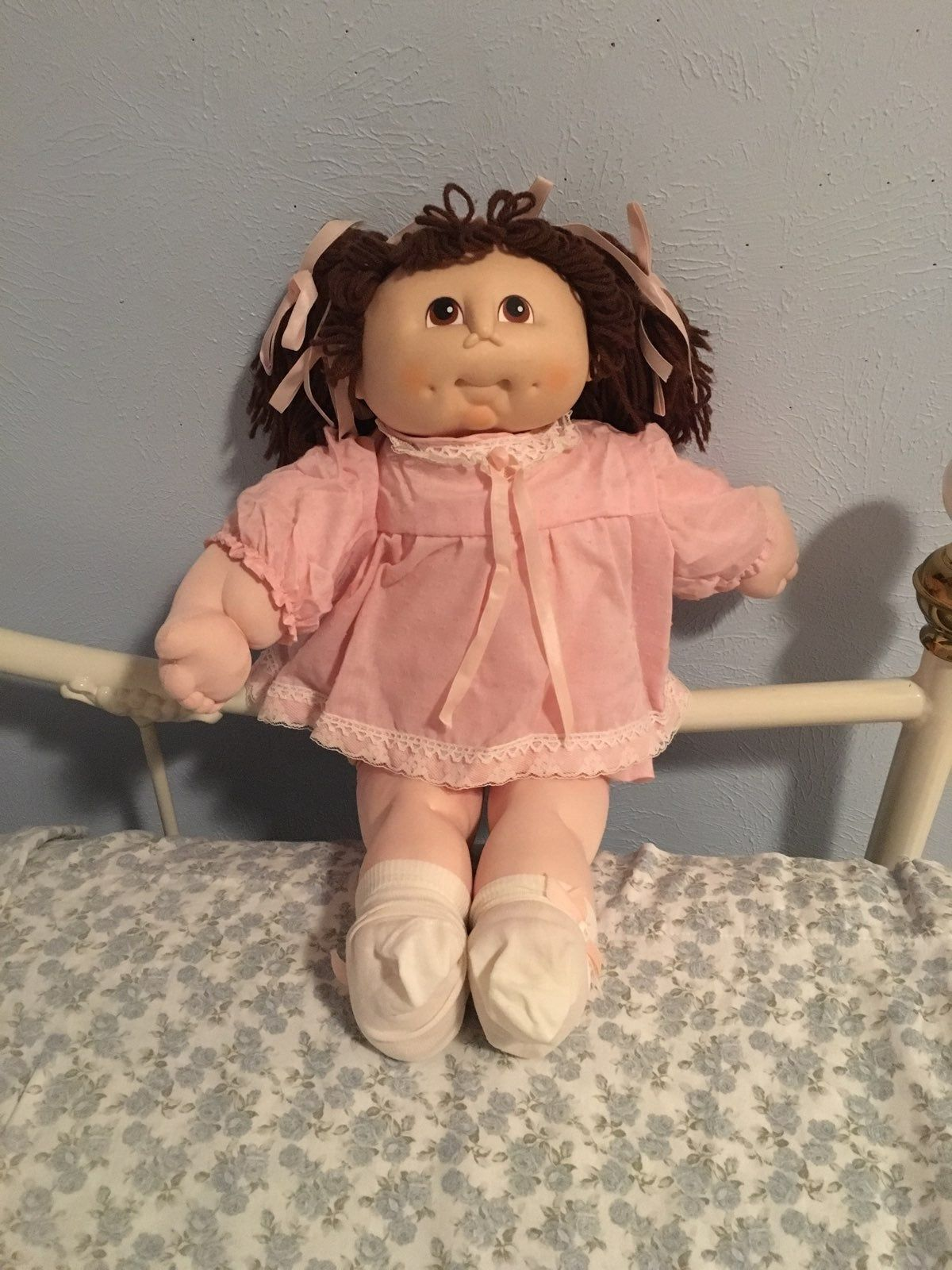Im Not Sure If The Worth So If I M Too High Please Let Me Know Send Offers She Looks In Good Cabbage Patch Kids Dolls Cabbage Patch Dolls Cabbage Patch Kids