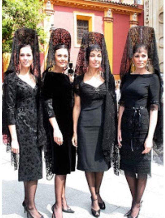 Vestidos negros para mantilla