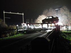 Trein rijdt op vrachtwagen in Diepenveen