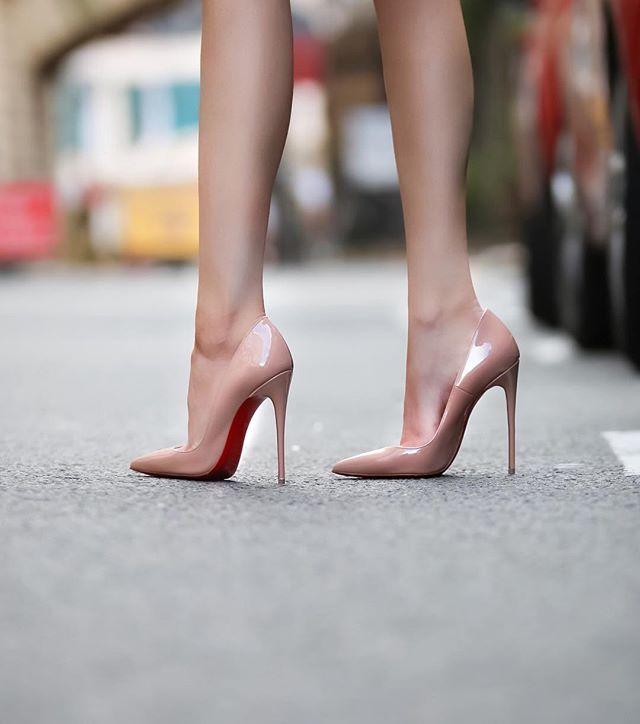 Pin on Sexy heels