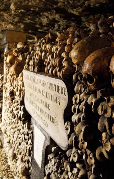 Die Katakomben von Paris (Foto: Getty) Mehr Scary Places hier: http://www.travelbook.de/welt/Hier-spukts-13-Orte-zum-Gruseln-201264.html