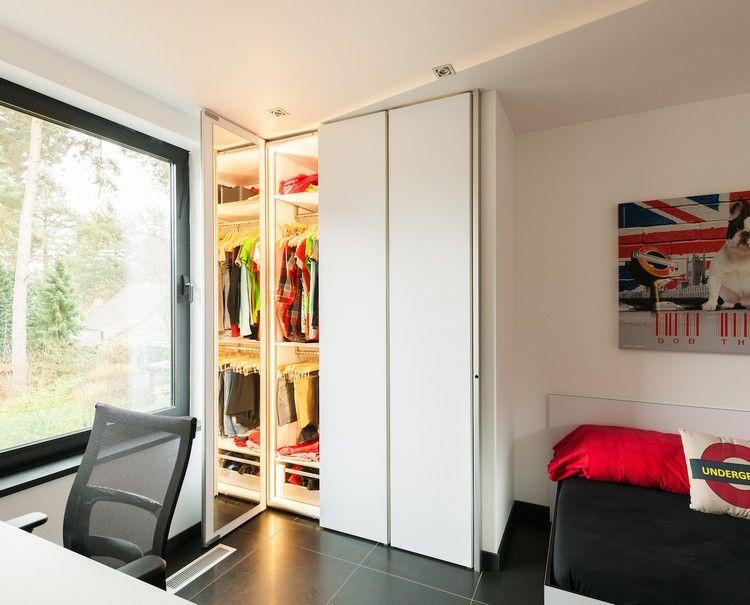 Kleiderschrank Platzsparend Einraumen Mit Diesen 6 Tipps Schaffen Sie Mehr Stauraum With Images Furniture Design Storage Spaces Home