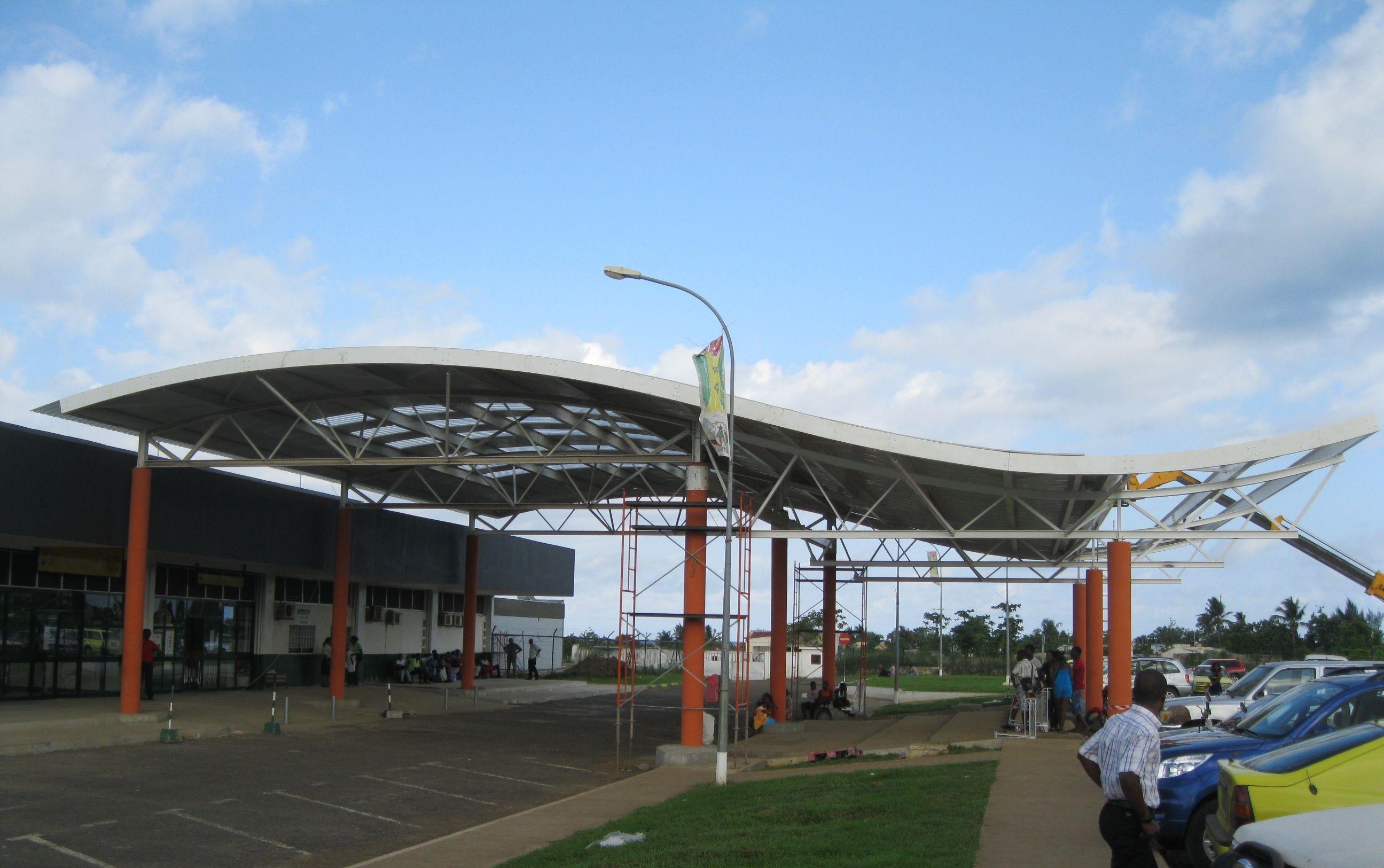 Aeroporto Comoro : Aeroporto internacional de são tomé e príncipe