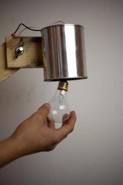 Como hacer una lámpara con palets | Hacer lamparas, Palets y Mesas