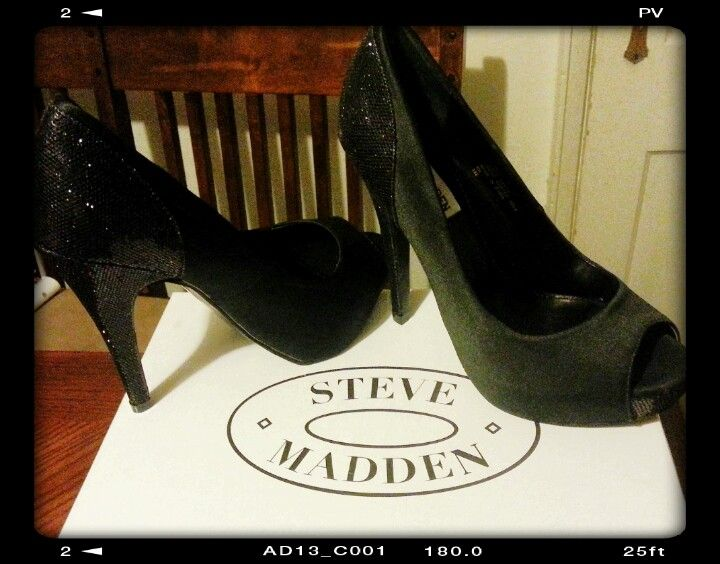 My new Steve Madden heels!! Can't wait to wear them at the Big Growl 2 tomorrow for the Rock Girl 3 Contest ☆★☆★☆