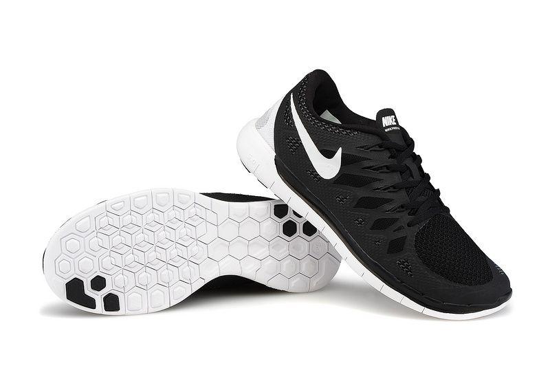 Nike Free 5.0 Homme Noir Blanc en Ligne,http://www.cobbengr