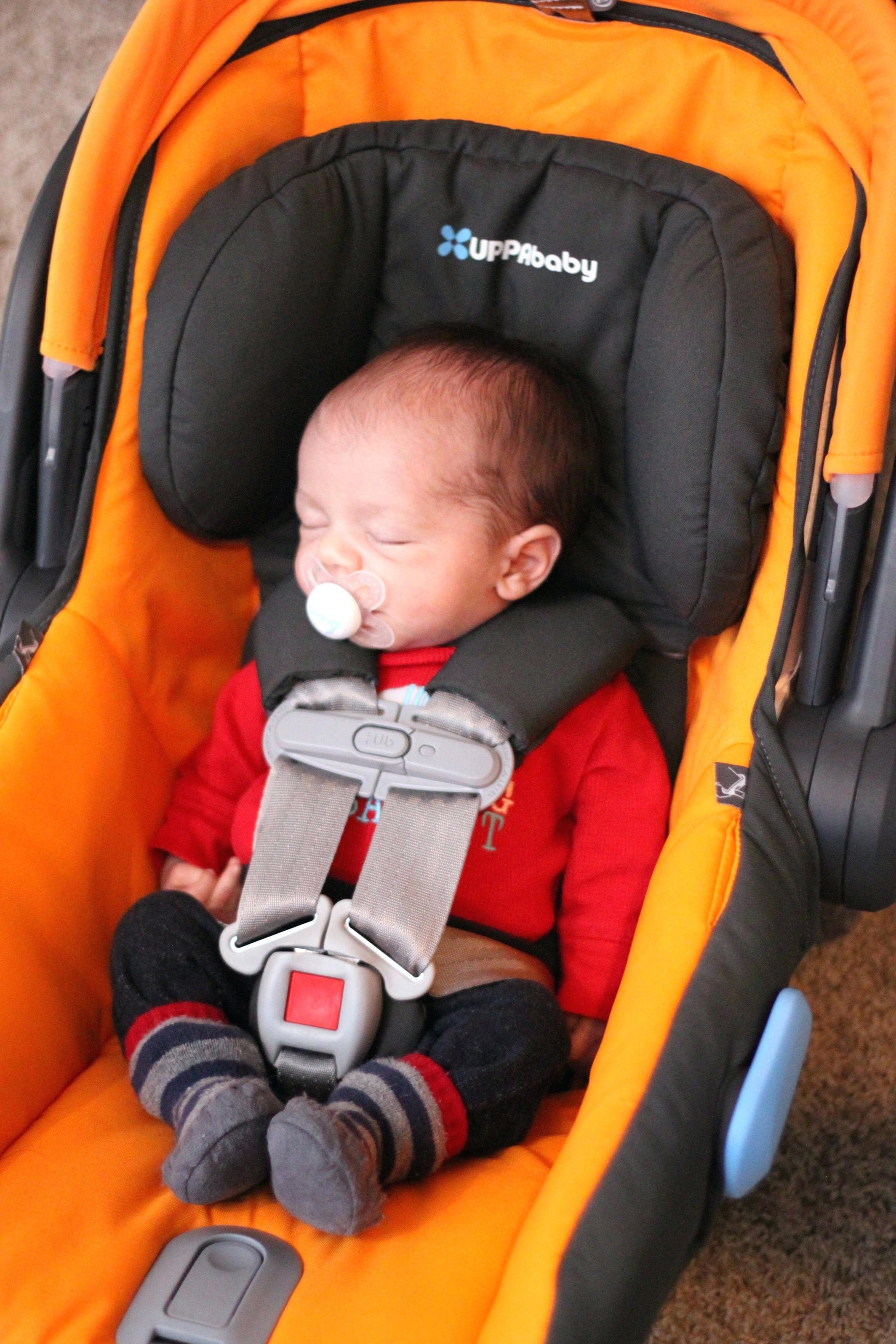 Neugeborenen einsatz maxi cosi