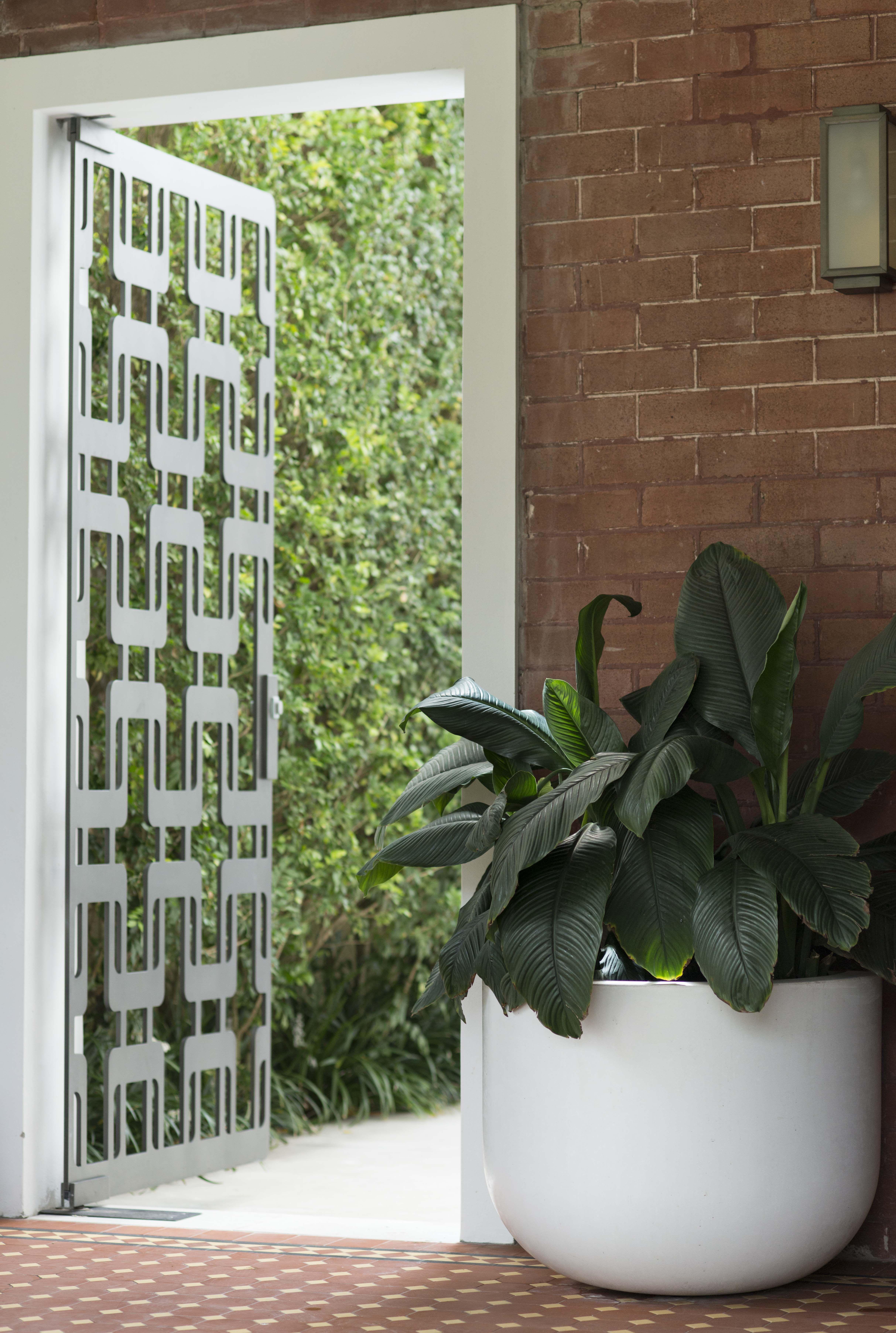 Modern Guard House Design: Garden Gates, Modern Garden