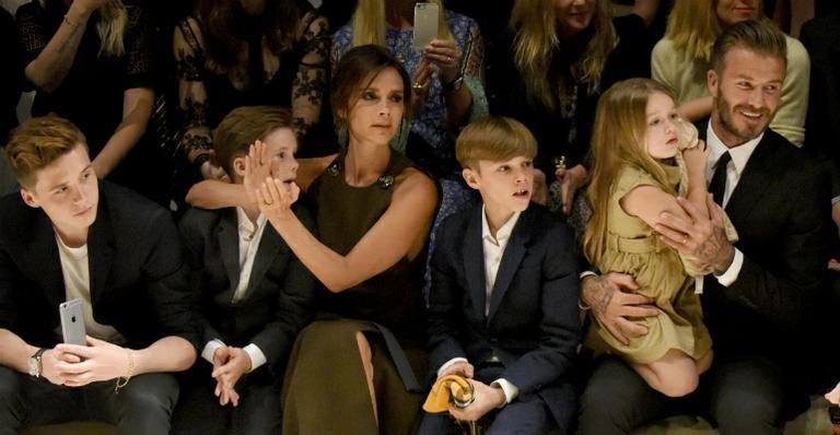 Com estilo, família Beckham vai a evento badalado de moda em Los Angeles -> http://bit.ly/1DQoGzL