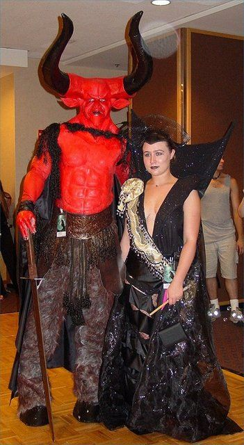 Couples Costume This This This Darkness Evil Lily From