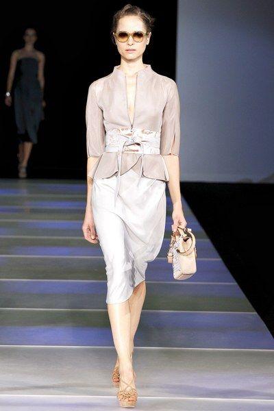 Sfilata di moda ready-to-wear Giorgio Armani primavera 2012