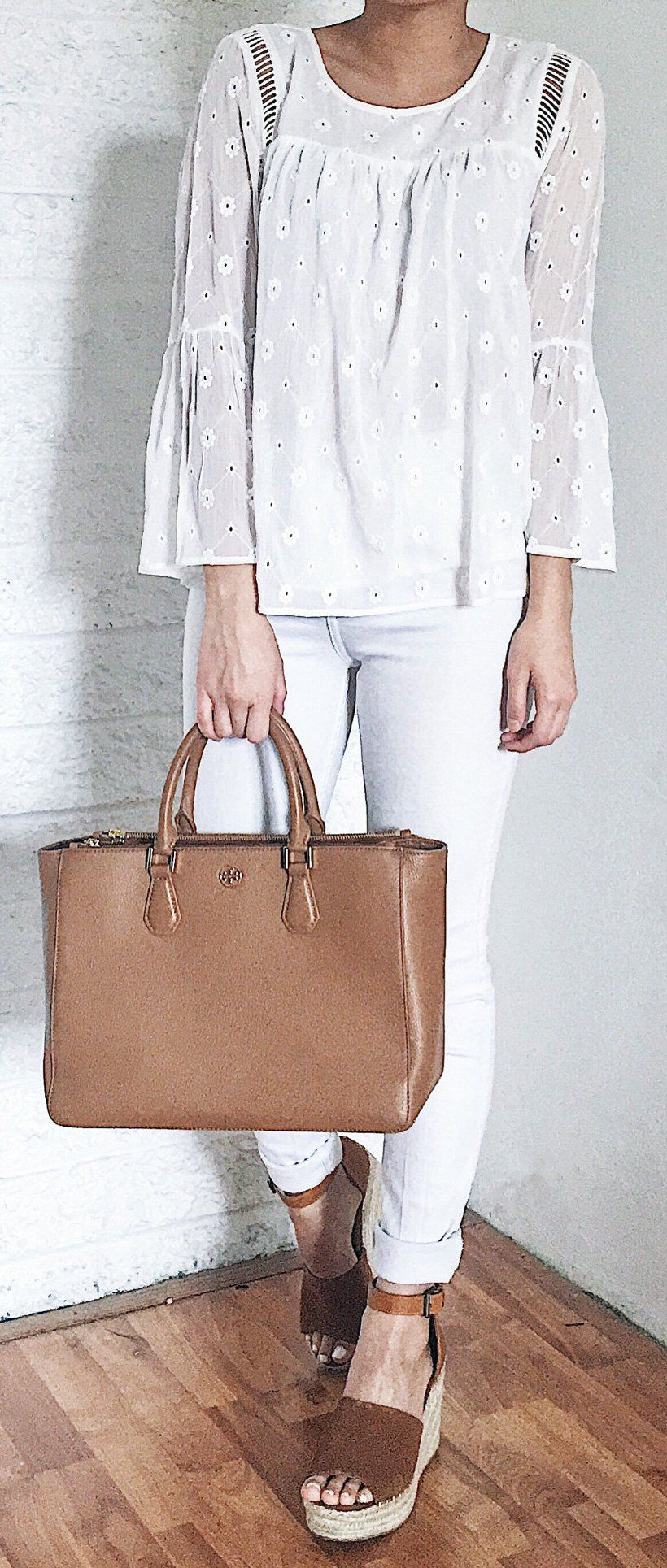 10704918798 White Lace Top   White Skinny Jeans   Brown Suede Platform Sandals   Brown  Leather Tote Bag