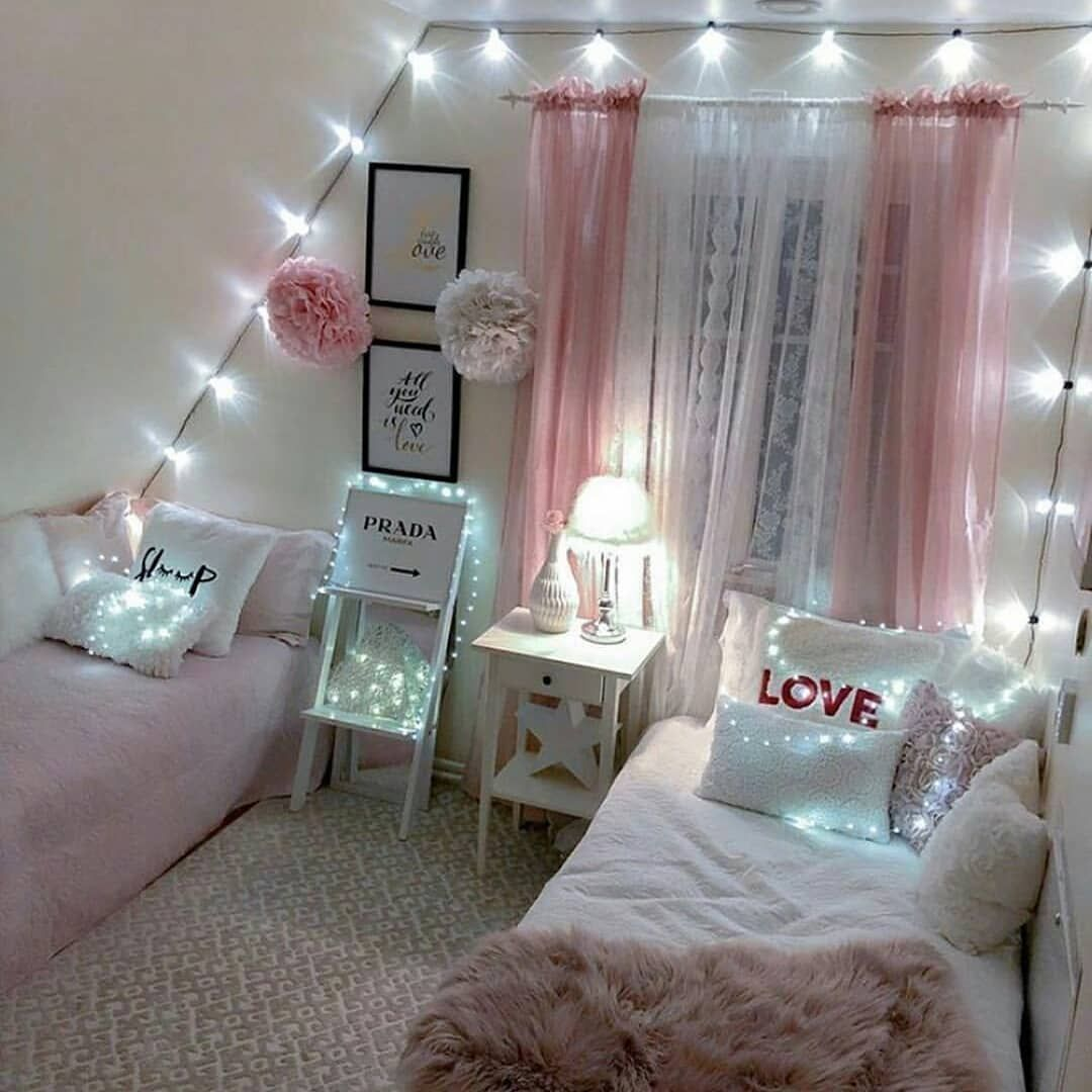8 Cheap Things To Maximize A Small Bedroom Read More Badroom Decoration Salon Decoration Interieur Maison Bedroom Comfy Bedroom Decor Dorm Room Diy Home