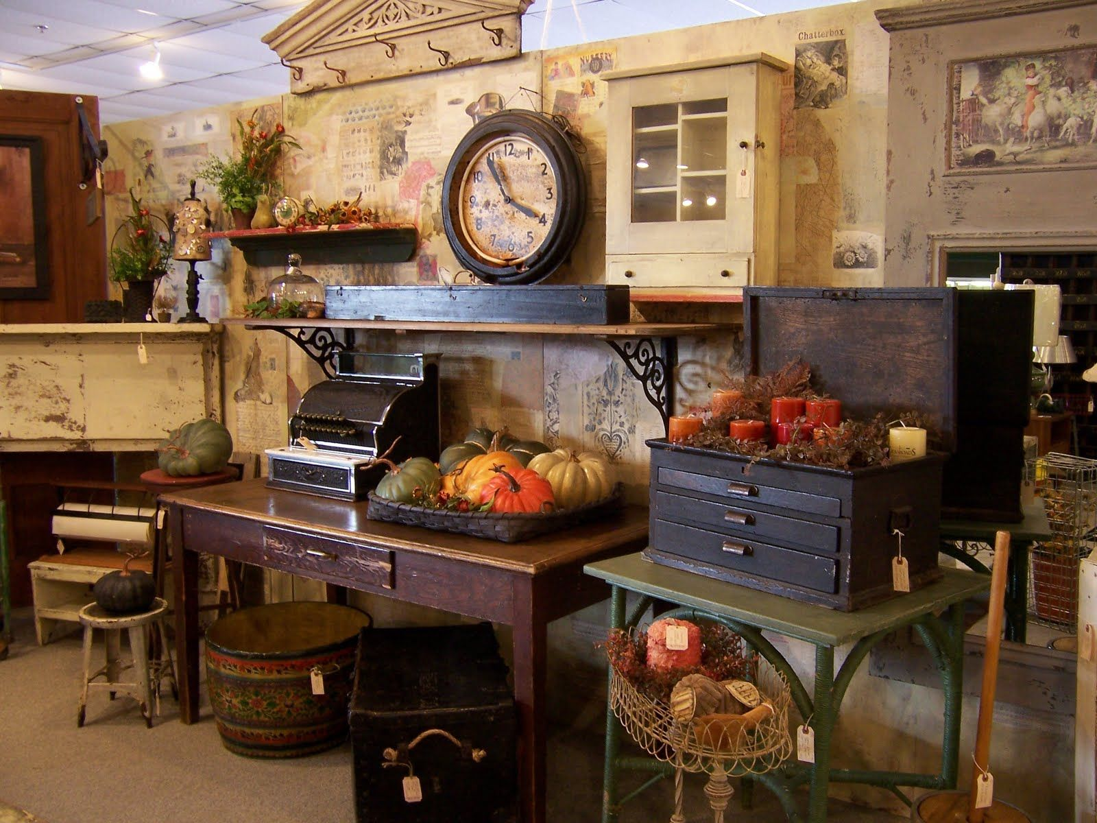 Guidone & Co. Antiques & Vintage Antique booth displays