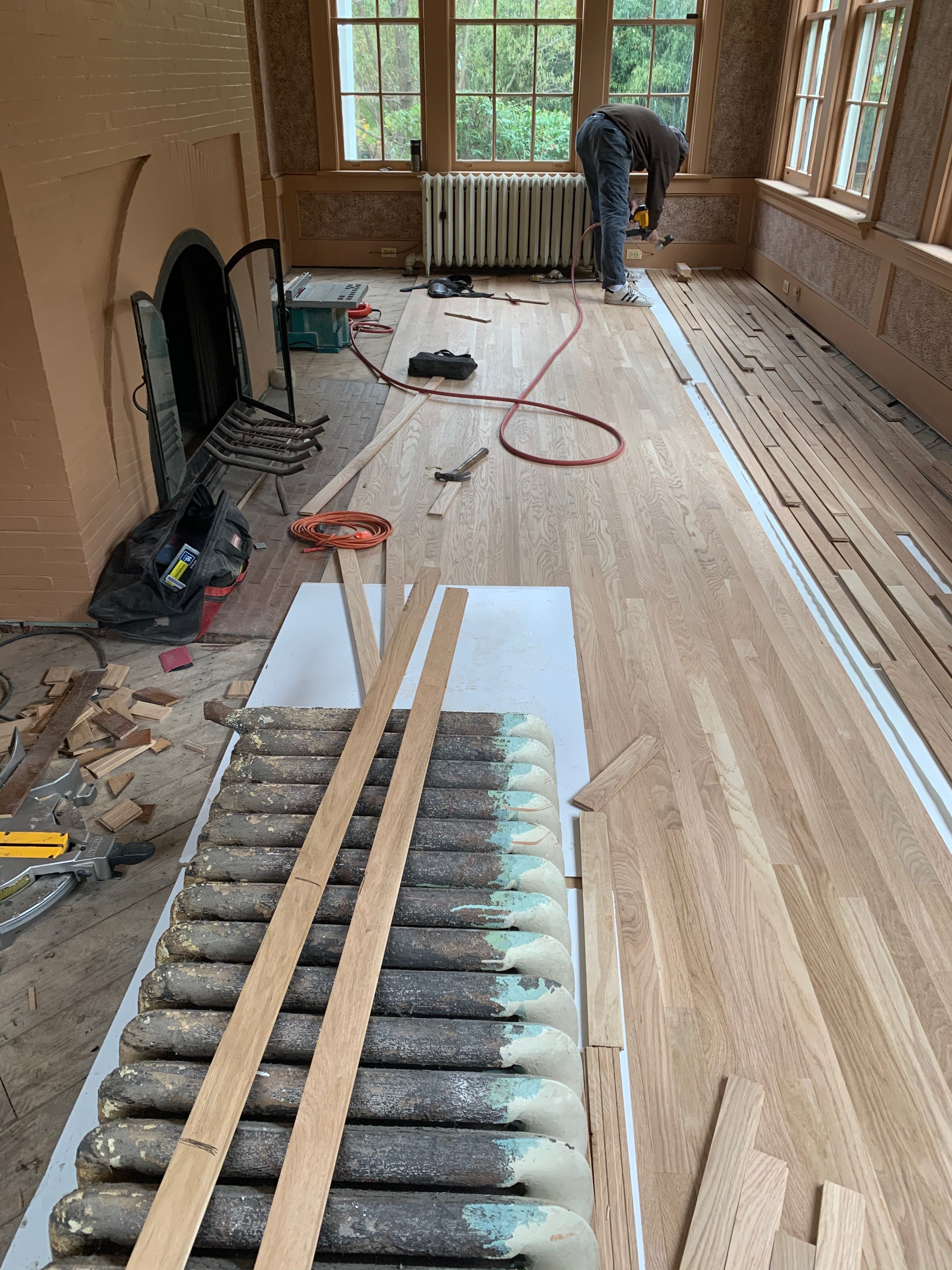 Installing New Hardwood Floors In Our 1st Floor Sitting Room Extreme Floors Doing A Great Job Floor Sitting Hardwood Floors Hardwood