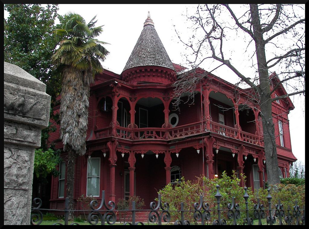 A rather spooky looking, but beautiful, old victorian house in ...