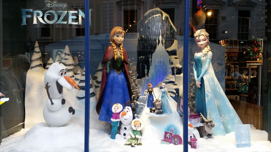 "DISNEY STORE, Grafton Street,""Still Frozen"", pinned by Ton van der Veer"