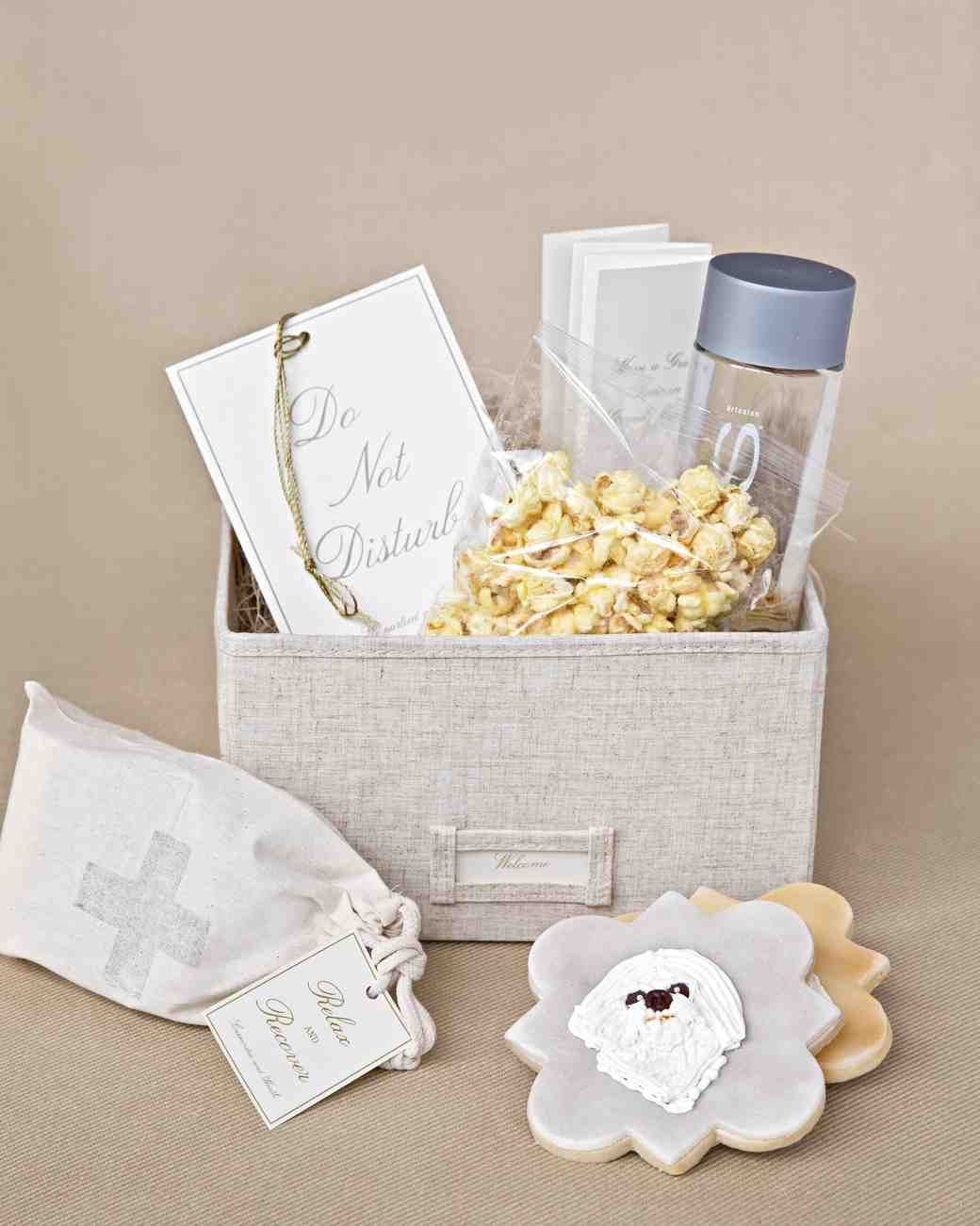 wedding welcome basket | Wedding | Pinterest | Wedding, Favours and ...
