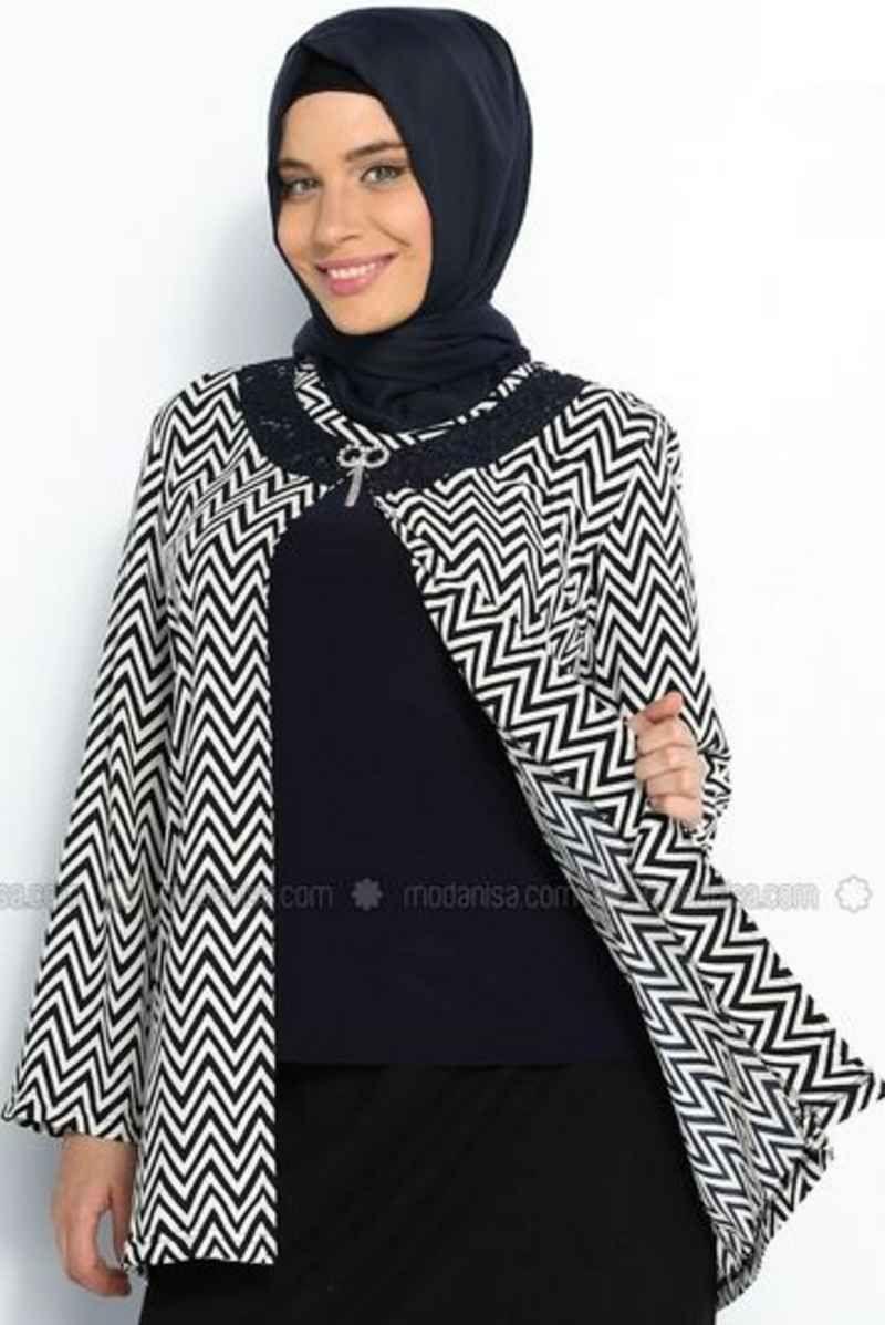 Pin By Indah Srie On Blus Batik In 2019 Fashion Fashion Dresses