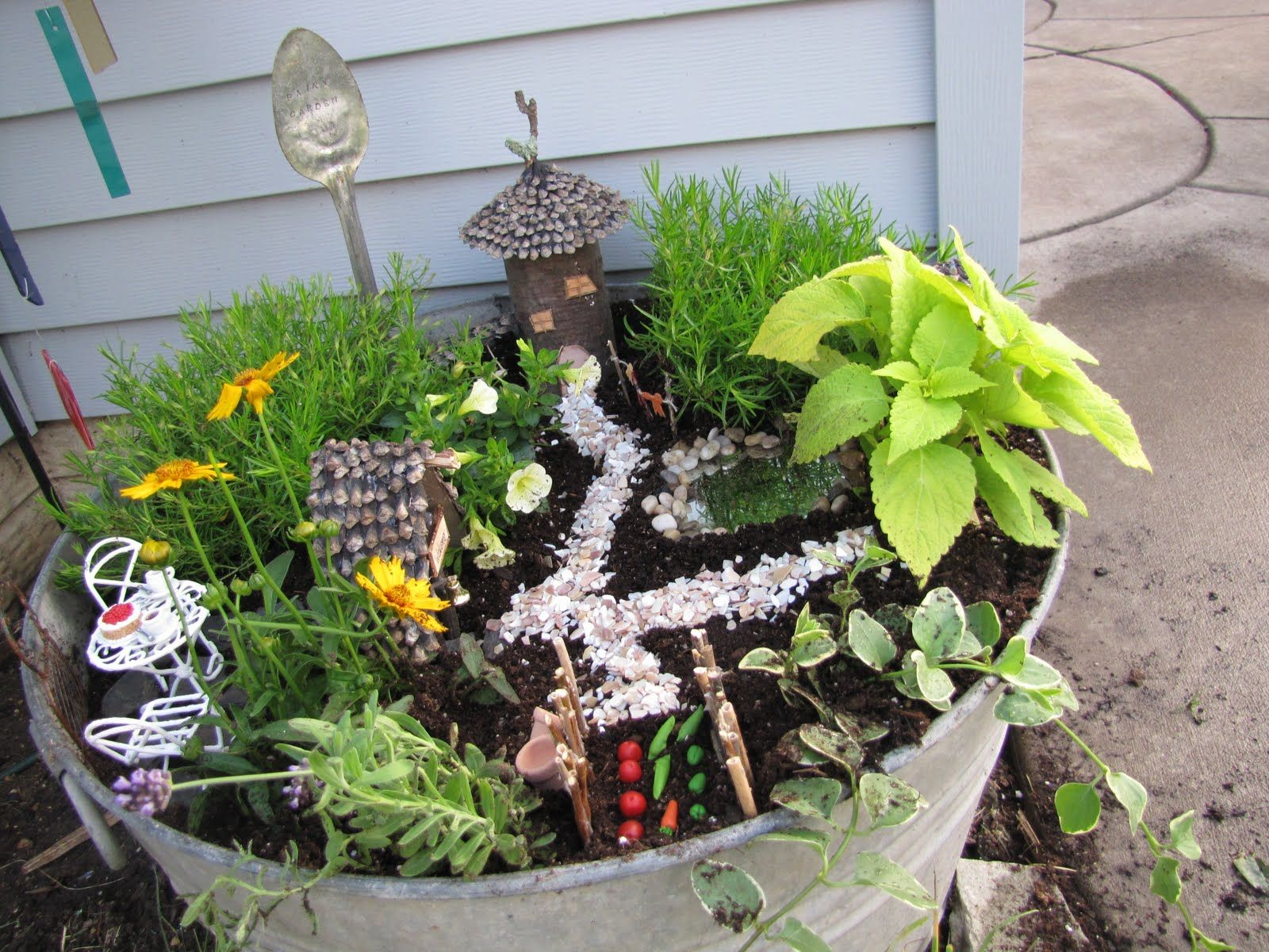 Fairy Gardens | Fancilicious Fairylands: The Mother Of All Fairy Gardens....  Rock Garden DesignGarden ...