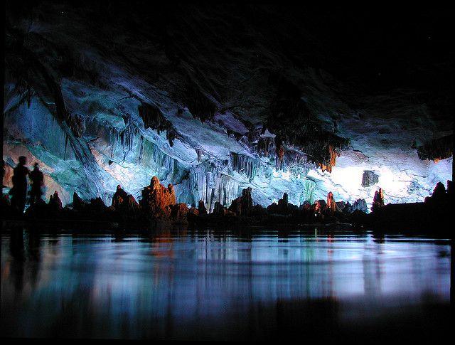 Una gran atracción turística en Guilin, en la región de Guanxi, Reed Flute Cave