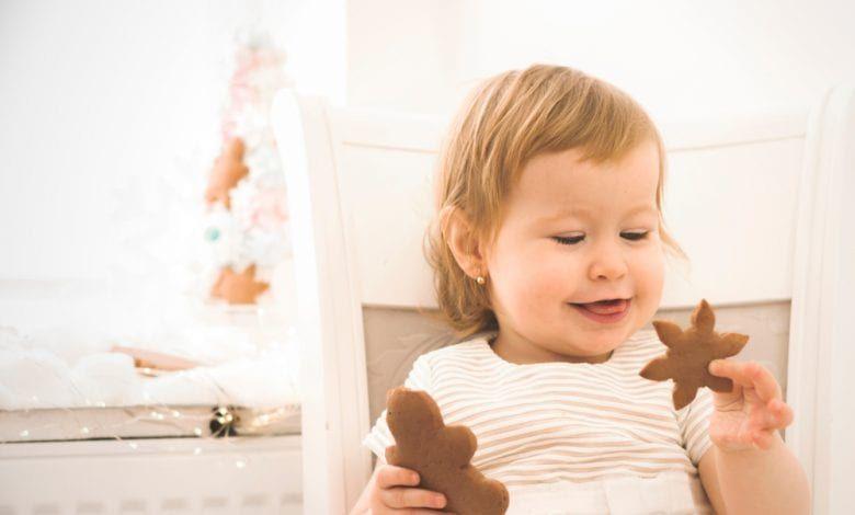 طعام الطفل بعمر سنة ونصف أسباب نقص الوزن بالنسبة للطفل Baby Food By Age Baby Food Recipes Baby Mobile