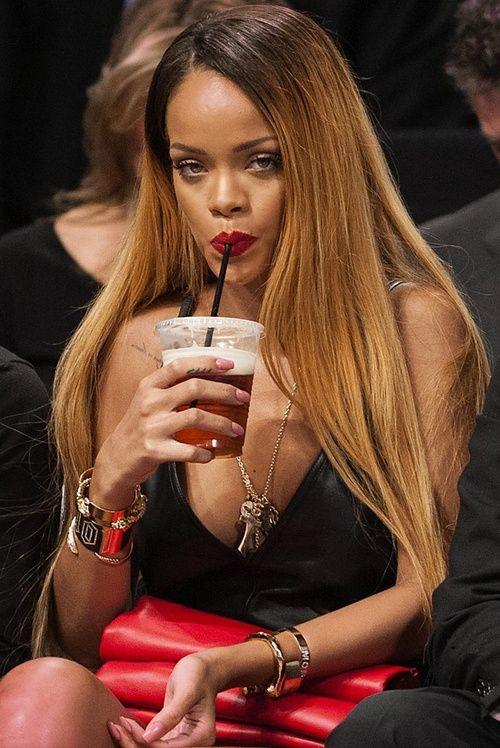 Rihanna Hair Color Google Search Rihanna Hairstyles Rihanna