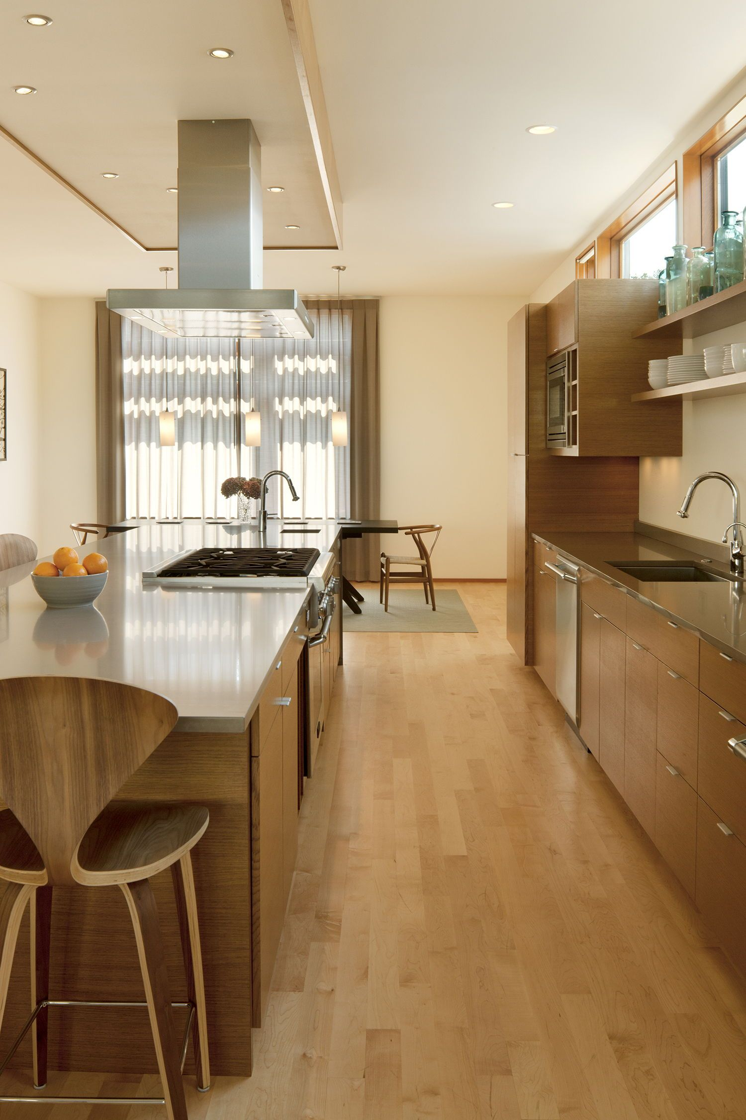 Photo of Trendy house renovation in Seattle that maximizes indoor and outdoors residing