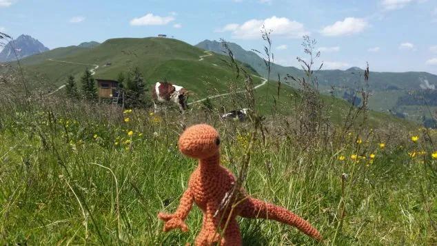 Velociraptor #crochetdinosaurpatterns Velociraptor – Anonymouscrochet #crochetdinosaurpatterns