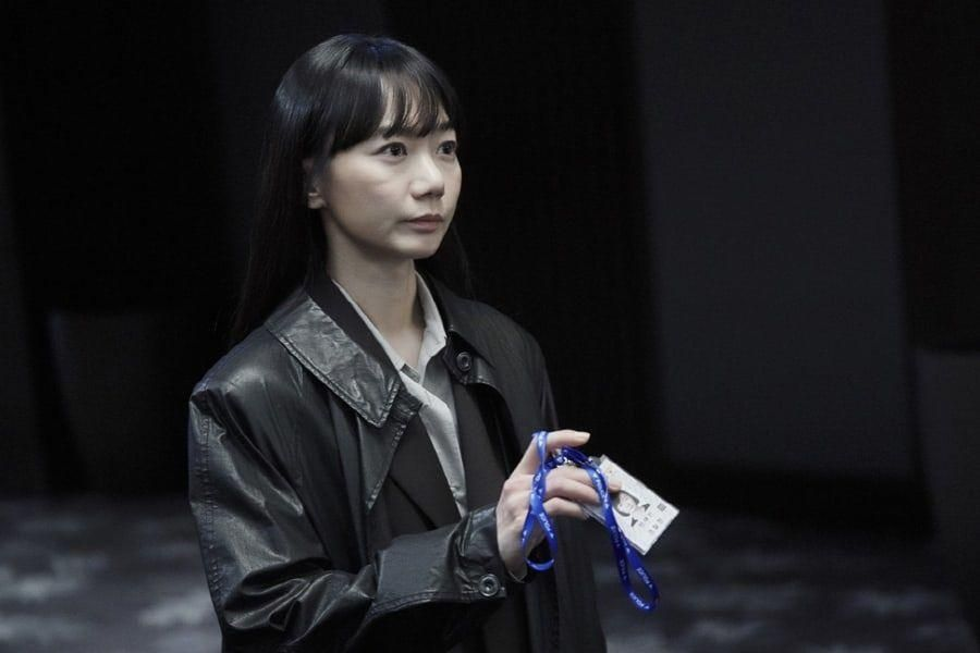 "Bae Doona Makes Return As Impartial Detective With Soft Charisma In Season 2 Of ""Forest Of Secrets"""
