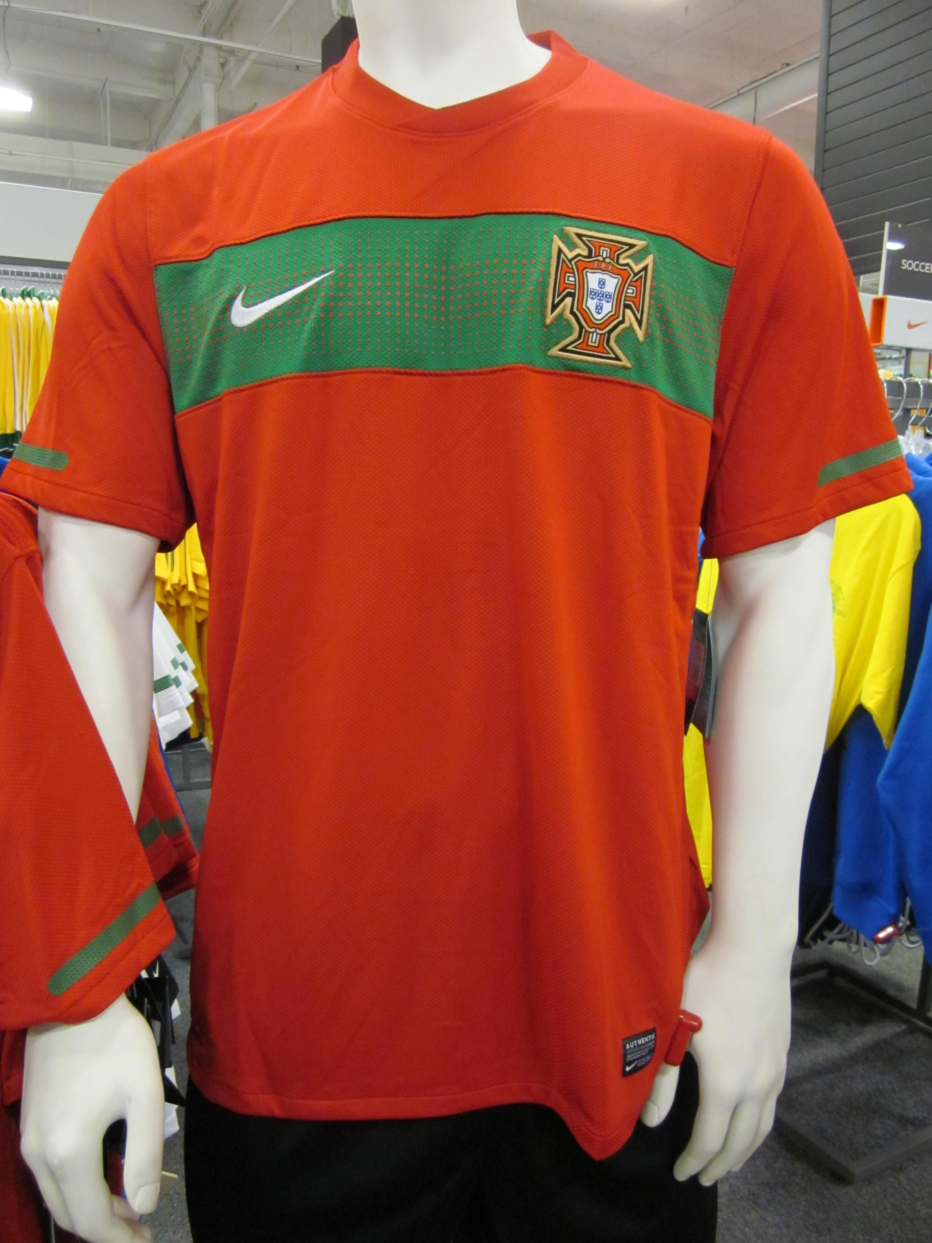 Portugal National Soccer Team Jersey .  e26daf302