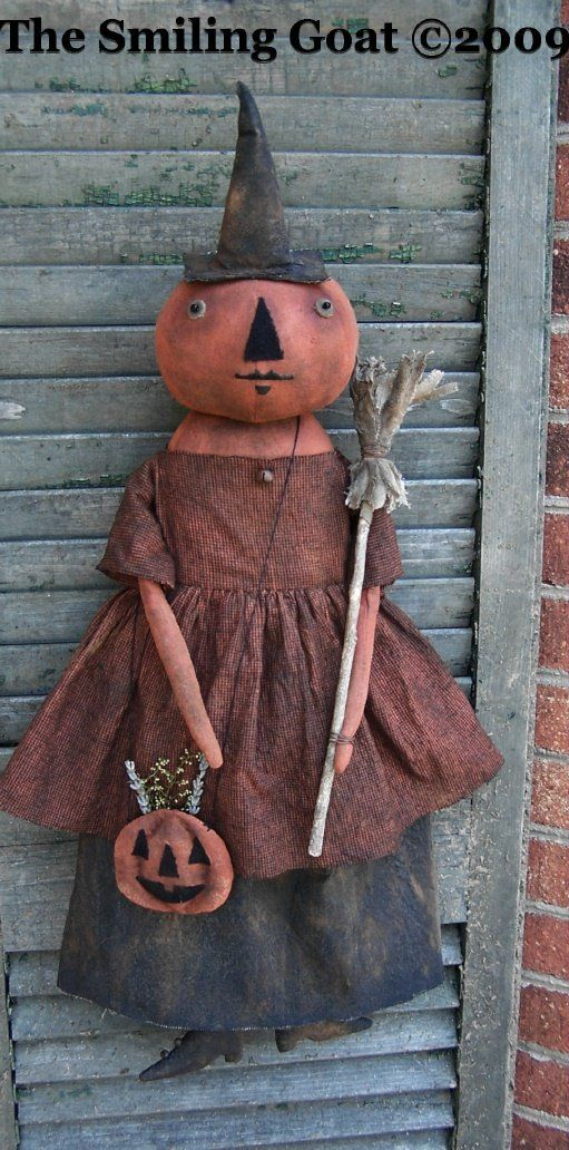 I love primitive Halloween dolls.