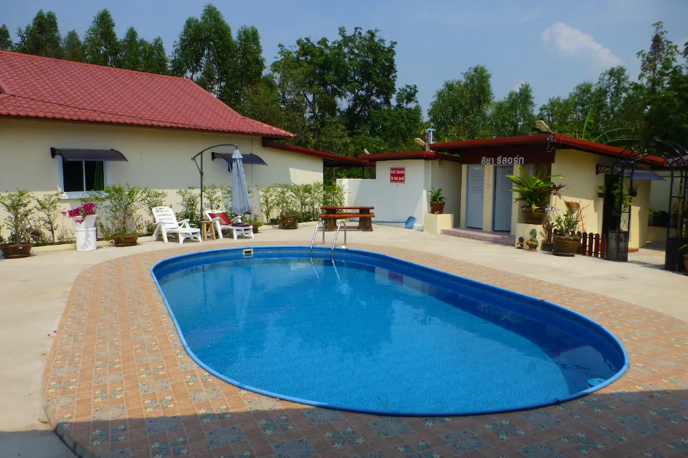 2 Bedroom Villa With Pool In Tropical Gardens Houses For Rent In Tambon Chiang Wang Chang Wat Udon Thani Thailand Renting A House Tropical Garden Pool