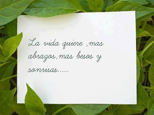 Abraza, besa y sonríe..