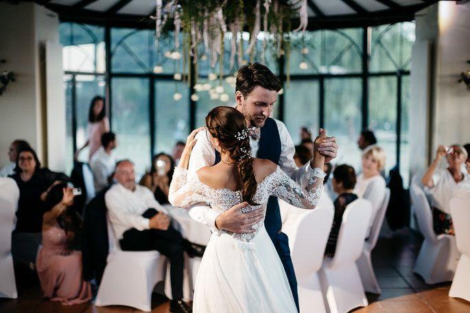 Les plus belles idées de chansons pour votre ouverture de bal | Ouverture de bal, Musique ...
