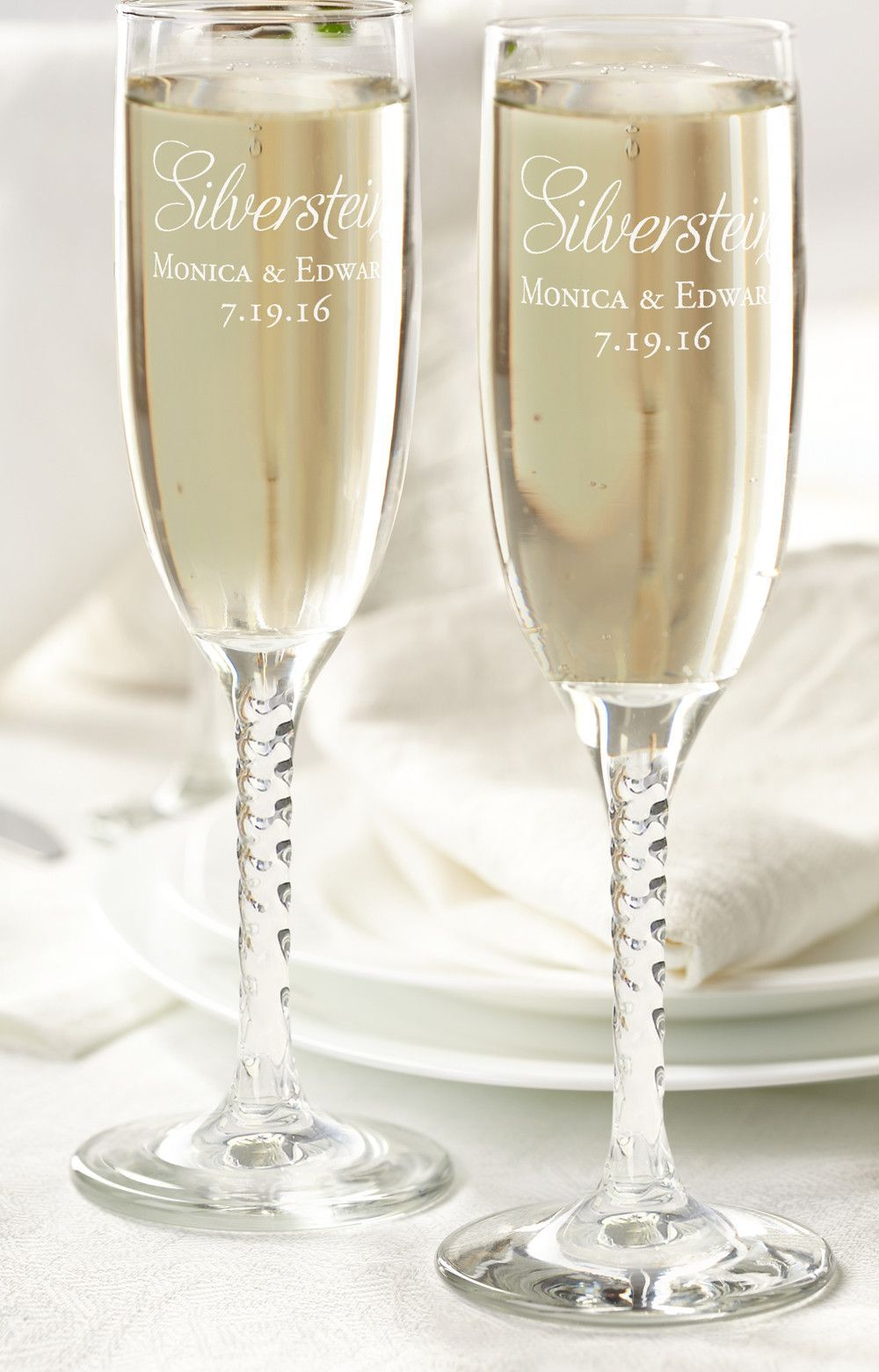 Personalized Set of Toasting Glasses - Script