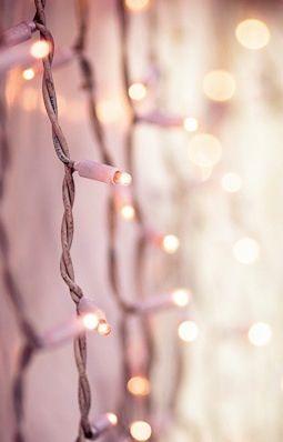 Rose Gold Aesthetic Christmas Lights Wallpaper