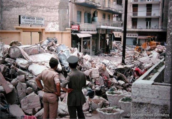 Η ΜΟΝΑΞΙΑ ΤΗΣ ΑΛΗΘΕΙΑΣ: Σπάνιες φωτογραφίες από τον φονικό σεισμό του 1978...