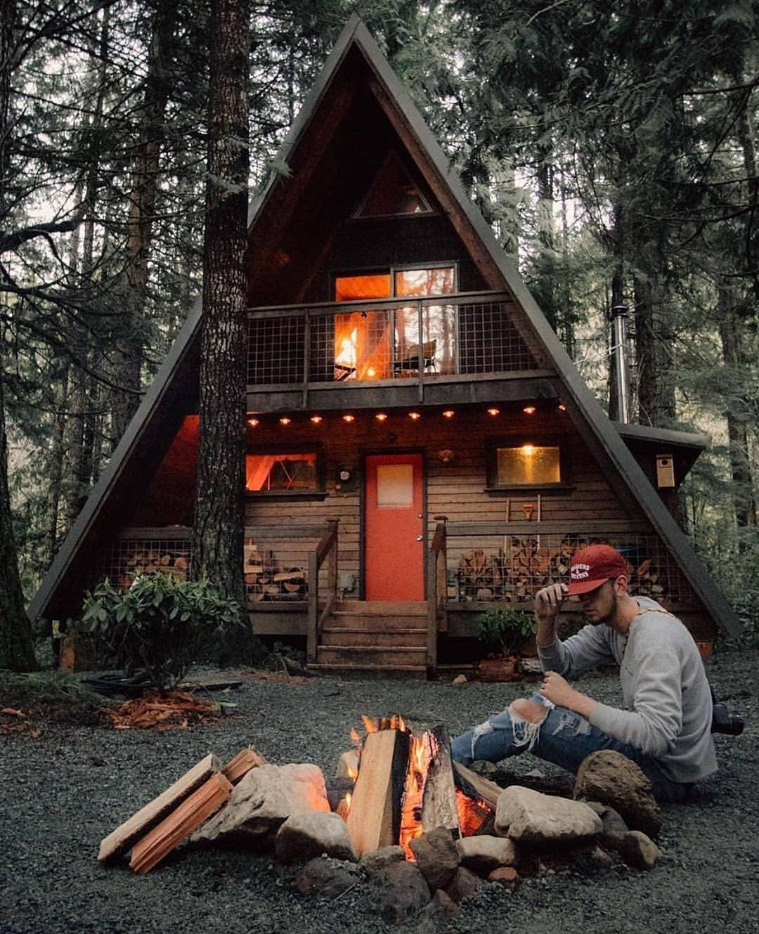 Nature On Instagram Cabin Getaway Anyone Mount Rainier National Park Washington Photo By Karavannnnn Na A Frame House Small Log Cabin Log Cabin Homes