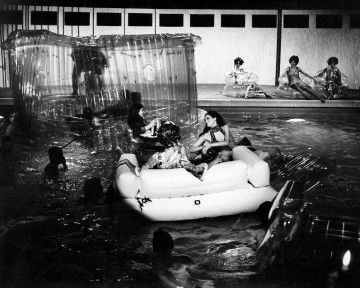 Zigzag at the pool | Missoni