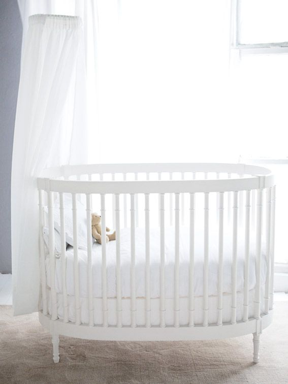 New Classic Oval Cot Kids Cot Baby Bedroom Baby Nook