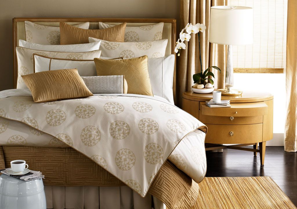 Barbara Barry For Bloomingdale 39 S Bedrooms And The Art Of The Beautiful Bed Pinterest