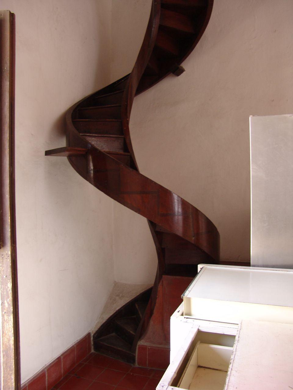 escalera caracol madera