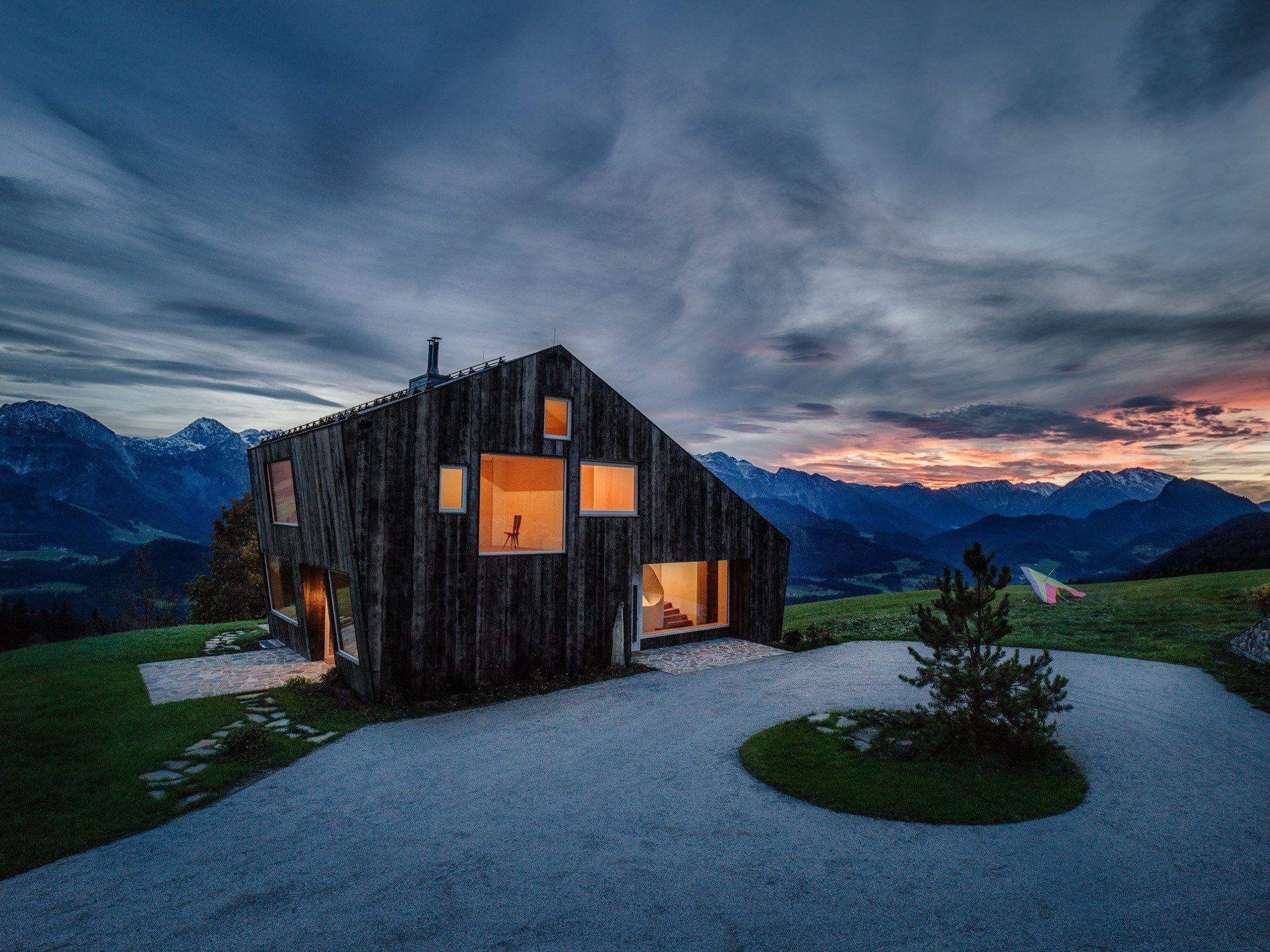 Leierhof House in the Alps by Maximilian Eisenköck